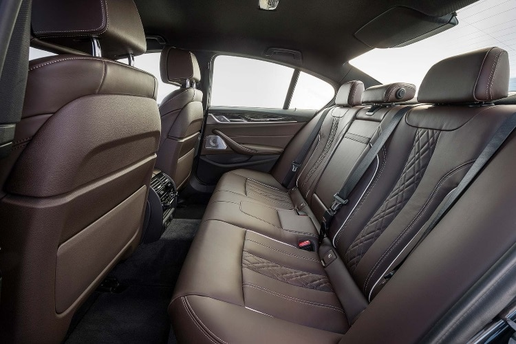 Styling of the BMW 5 Series back seat